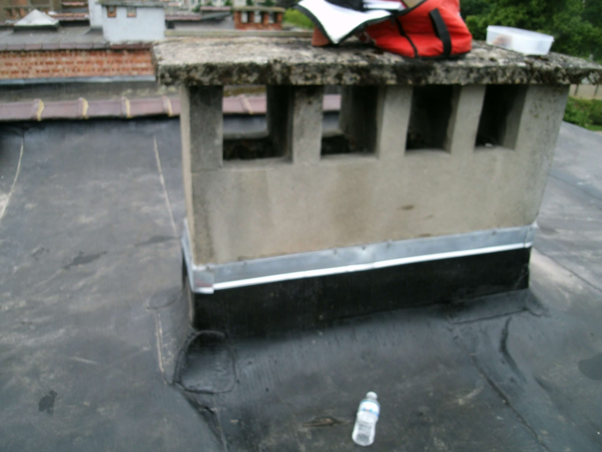 Tour de chemin e zinc entrepreneur ma onnerie terrasse for Entrepreneur terrasse